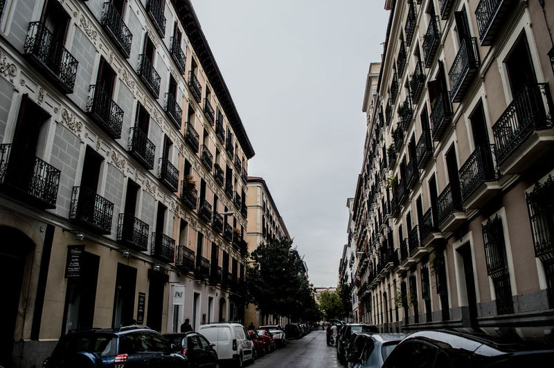 Adult Adults Only Architecture Architecture Building Exterior City City Day Expousure Licht Madrid Madrid Spain Outdoors People Sky SPAIN Street Streetphotography