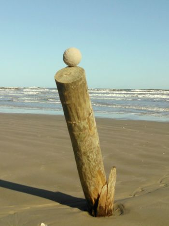 Showcase: November Sand Ball Sculpture on a Leaning Pole No Filter, No Edit, Just Photography Ocean Waves Ocean View Life Is A Beach Balancing Act