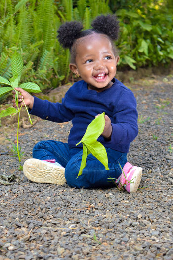 ||POTRAITS|| Sitting Leaf Toddler  Babyhood Baby Clothing One Baby Girl Only Gardening Glove Crouching Rubber Boot Pigtails