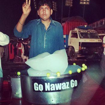 Go Nawaz Go lemon juice :) Dharna Gonawazgo GnG Pti juice lemon ik imrankhan nawazsharif pm