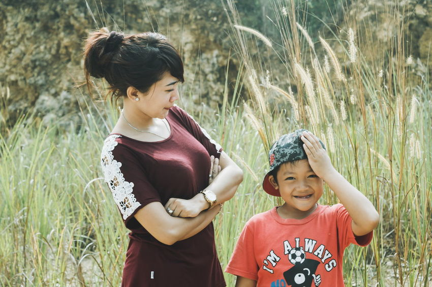 No reupload. People And Places Togetherness People Nature Softness Freshness Outdoors Plant Smile Smiling Nikon D3200 Family