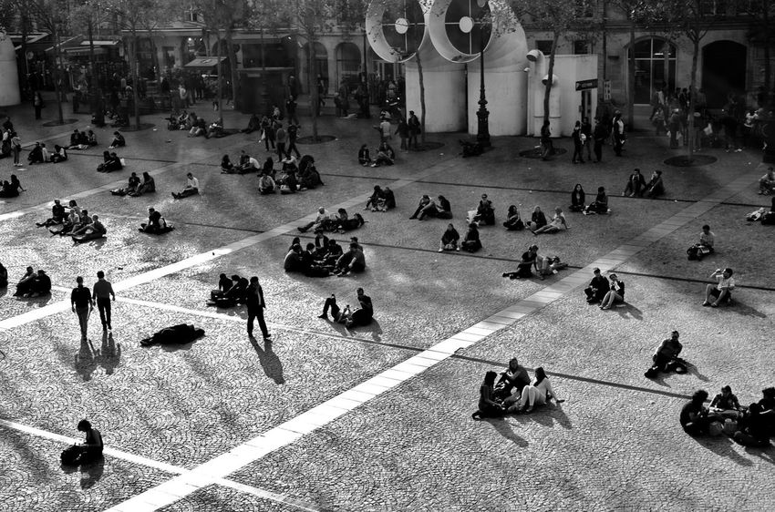 The Tourist Students Pompidou Paris Crowd Team Lunchtime Awaiting Turism Turist Youth Art Gallery Modern Museum
