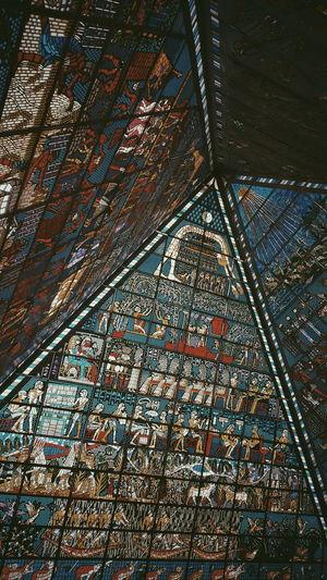 Wafi Mall Ceiling Detail... Dubai Wafimall Architecture Interior Design Ceiling Multi Colored Egyptian Glass Art Creativity