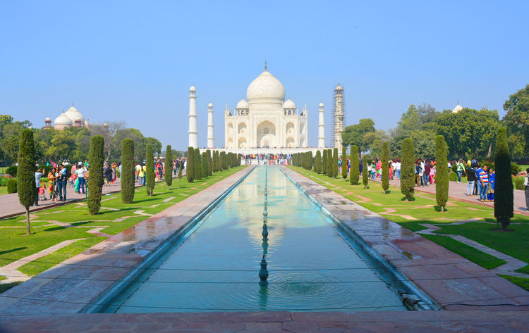Memorial Travel Destinations Clear Sky Outdoors Tomb Cultures War Memorial Tourism Ornamental Garden Day No People Architecture Built Structure Beauty In Nature Beautifully Organized Holy Water Building Exterior Market