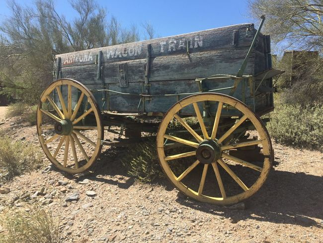 Arizona Desert Arizona Deserted Scapes Desert Landscape Desertporn Desert Life Desert Beauty Vintage Wagon Countrystyle Ranch Ranch Life Wagon  Wagonwheel Country Life Western Desert Western Style Western Countryside Vintagestyle Vintage Vintage Style Vintage Look Nofilter