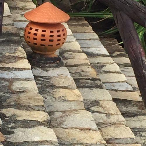 Viet Nam pot steps