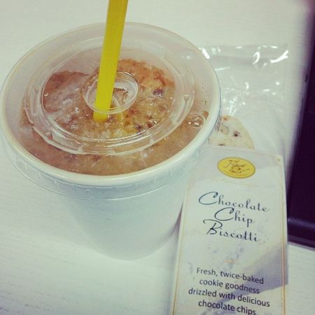 Mejo addicted ako sa coffee ngayon ah. Figaro Coffee Capu Biscotti