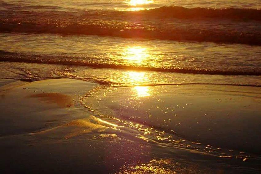 Hampton beach sunrise reflect.