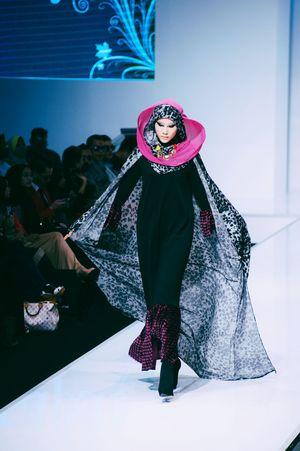 Striking Fashion Fashion Photography Female Model Fashion Show Fashioneditorial