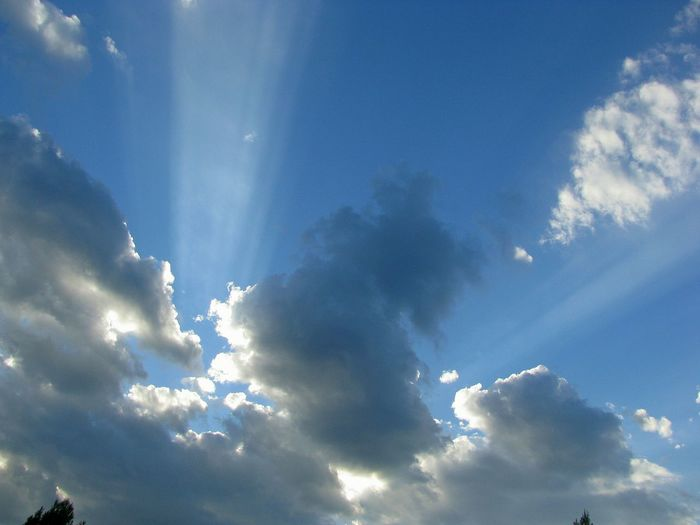 sun beams Clouds Sunbeams Blue Sky Close-up Cloud - Sky