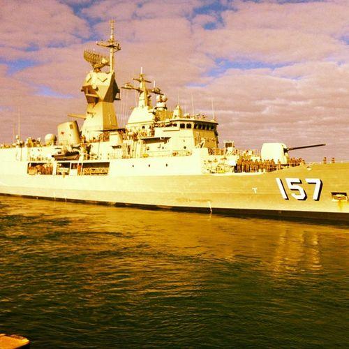 HMAS PERTH Hmasperth Navy Ship Wavingoffthemissus