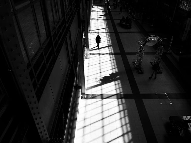 Light Shadows & Lights Men Silhouette Walking Architecture People Mobile Photography HuaweiP9 Poland Mobile Phone Mobilephotography Mobile_photographer Street Photography Streetphotography Black And White Silhouette The City Light Huawei The Street Photographer - 2017 EyeEm Awards