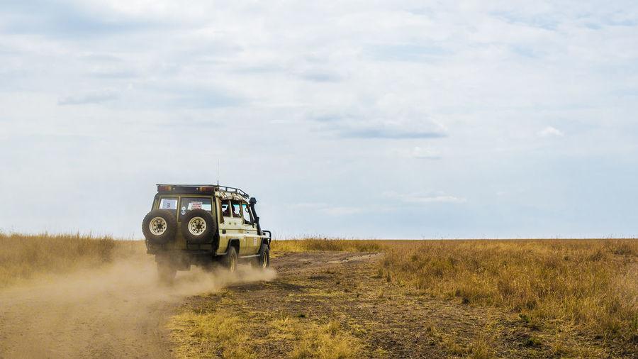 Zipping across the Mara Adventure Kenya Masai Mara Masai Mara National Park No People Off Road Off-road Vehicle Siddharth Vintage Land Cruiser