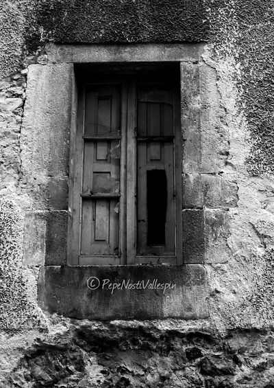 Window Black And White Photography Abandoned Streetphoto Streetphotography Outdoors Blackandwhitephotography Blancoynegro Blackandwhite Street Photography Black&white Poladesiero Pola De Siero Outdoor Photography Blackandwhite Photography Abandoned Buildings Abandonedasturias