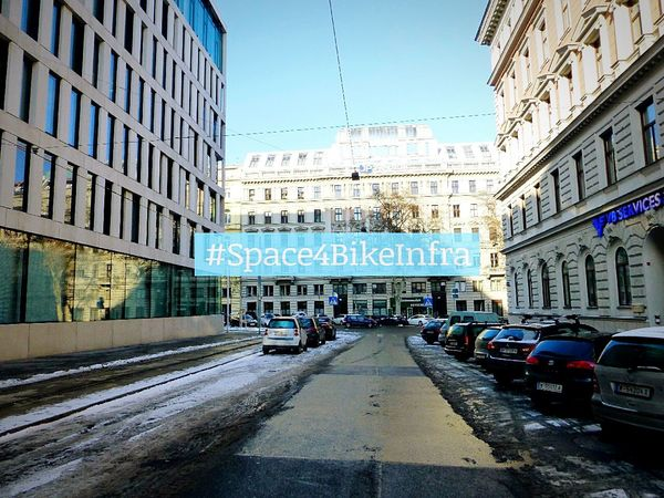 Space4BikeInfra @Peregringasse Wien Radfahren Cycling Vienna Streetphotography Streets Of Vienna Discover Your City Cityspaces Urbancycling