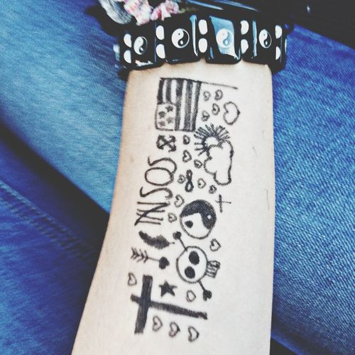 Fake Tatoo Draw Something 5 Seconds Of Summer