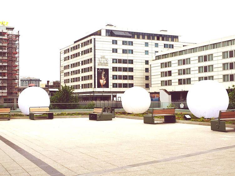 Berlin Streetart Hanging Out Balloons