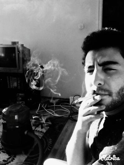 Bachelor Bad Black And White Anayurt Bekar Evi Temizlik
