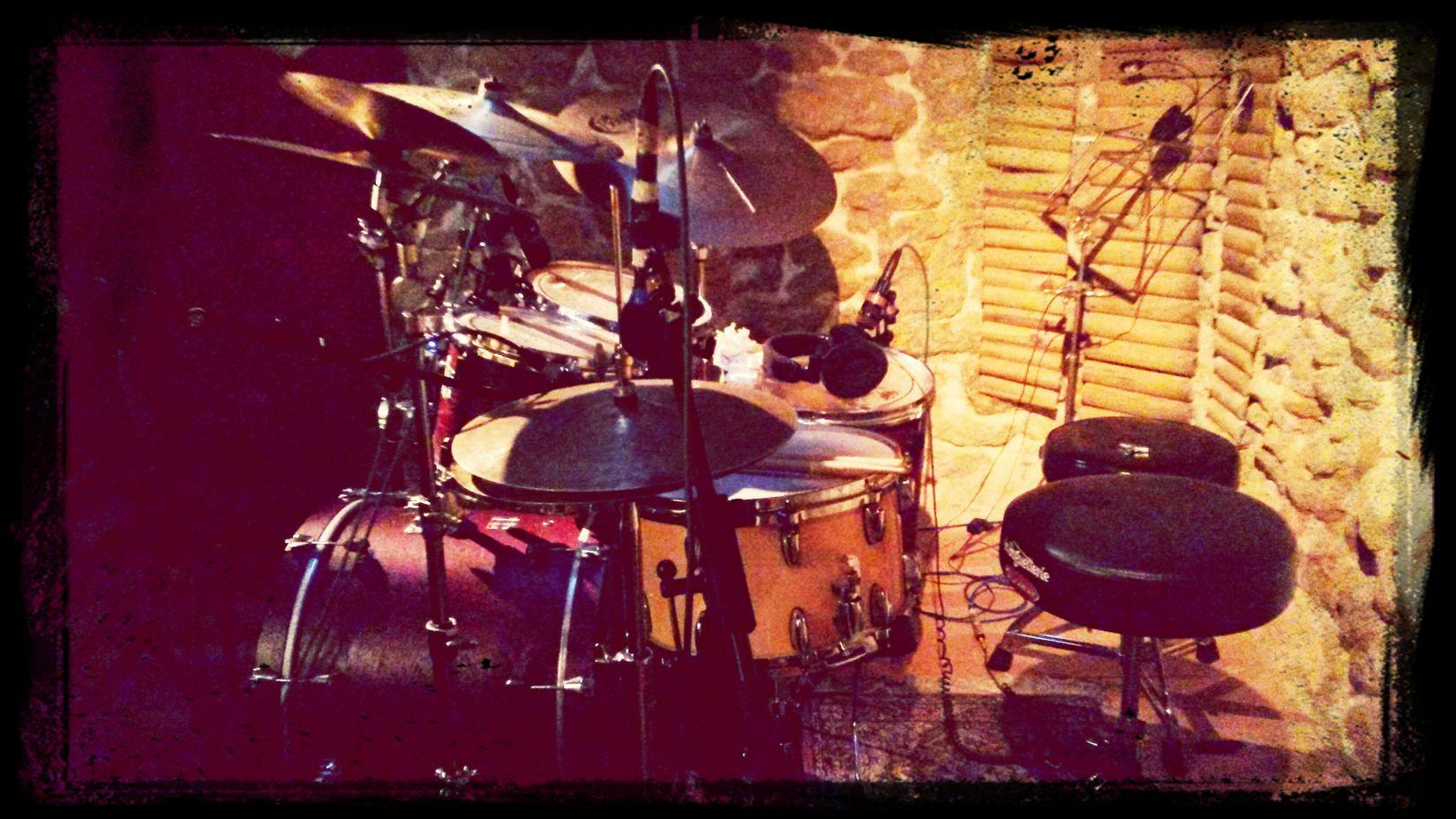 Lya Musik Studio Drums