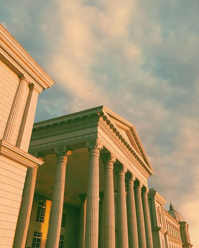 Architecture Built Structure Building Exterior Architectural Column Sky Low Angle View Travel Destinations No People Outdoors History City Pediment Day