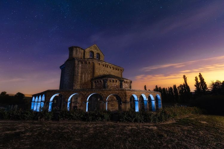 1.000 arch Night Sky Building Exterior Architecture No People Built Structure Outdoors Religion Catolic Church Catolicism Catolic Church Religious Architecture Light And Dark Medieval Spirituality Light And Shadow Architecture Light Painting Light Effect Nightphotography Illuminated Arch Hermitage Going Remote