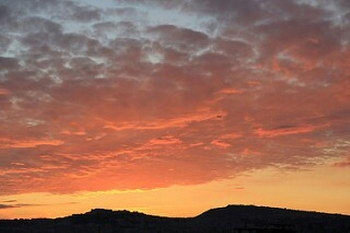 Hello World City Life Citta Relaxing Tramontoacolori Tramonto Bellissimo Sunshine ☀ Sunsetscenery Napoli_da Bella Italia Bellaitalia  Perendim