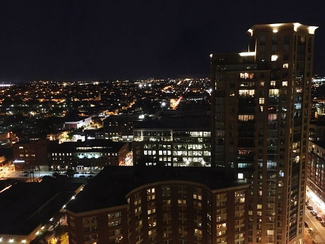Night View Hotel View Traveler Battle Of The Cities 25 stories up 🏢👜
