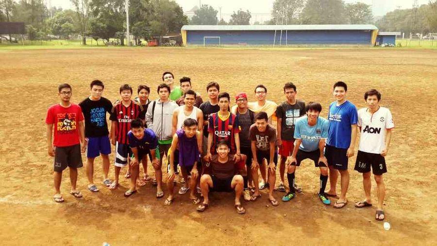 Fkuntar Bola Playing Soccer