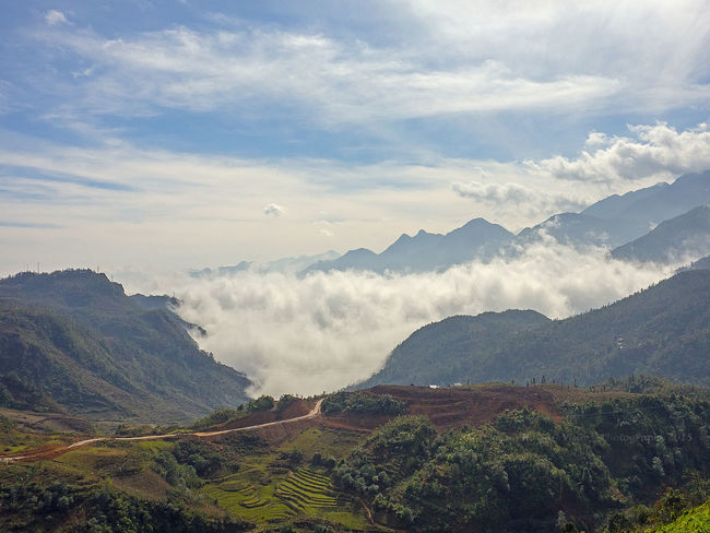 Road to nowhere in Sapa Vietnam Road To No Where Landscape_photography Landscape Majestic Mountain Range Remote Sapa, Vietnam Sky Tourism Vacations Valley Sapa Valley Rice Terraces Sapa Finding New Frontiers Lost In The Landscape