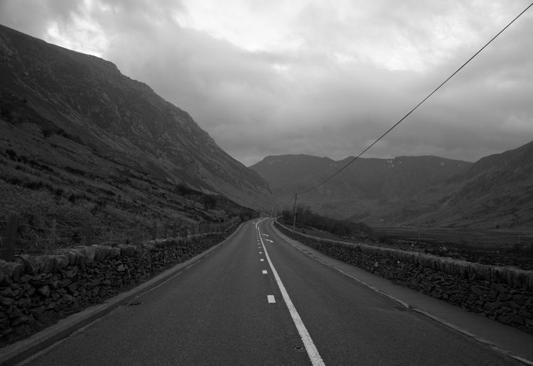 Welsh Countryside Mountains Black And White Photography Black And White Wales Mountain Slope Mountain Road Sky Landscape Cloud - Sky Empty Road Mountain Road Diminishing Perspective vanishing point Country Road The Way Forward