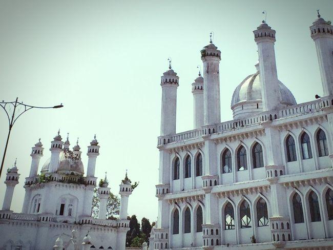 White temple. Colombo Temble