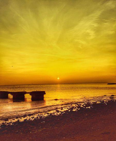 Beni benimle bırak giderken Başka bir şey istemem ayrılırken Bana bir tek beni bırak ne olur Gerisi senin olsun ... EyeEm Gallery EyeEm Best Shots Myseadenizim EyeEm Best Edits Sunset_collection Sunsets Sunset