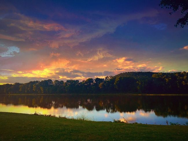 Beauty In Nature Reflection Tranquil Scene Sunset Clouds And Sky Outdoor Photography Pennsylvania Scenery Scenics Land And Sky Colorful