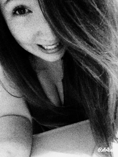Belge That's Me Hi! Brune Fille Brunette Hello World Girl