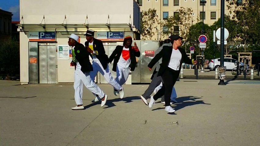 Compagnie Décalé Koné Marseille Streetart Dance Choreography