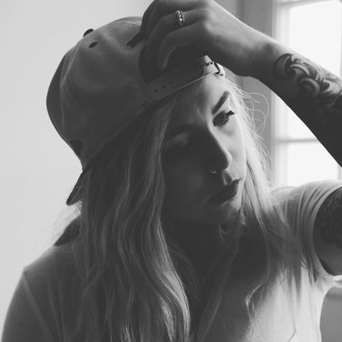 I like hats That's Me Hat Tattoos Inked Girls With Tattoos Selfie ✌ Self Portrait Window Light Photography Photographer Portrait Window Thats Me  Hat Life Swag Tattooed Tattoomodels