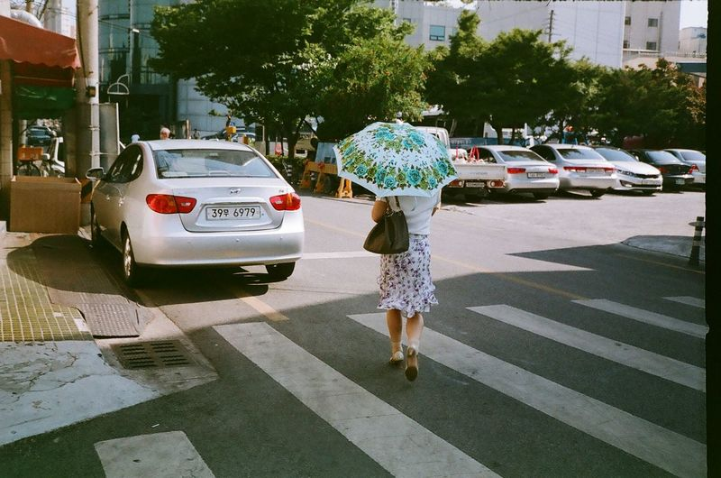 외출하는 엄마 Konica Pop Fuji Superia 200
