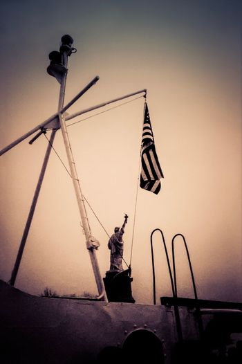 USA Photos Silhouette Sky New York City Statue Of Liberty Monochrome Sculpture Grainy Dramatic Angles Flag Boat Harbour Scanned Photo
