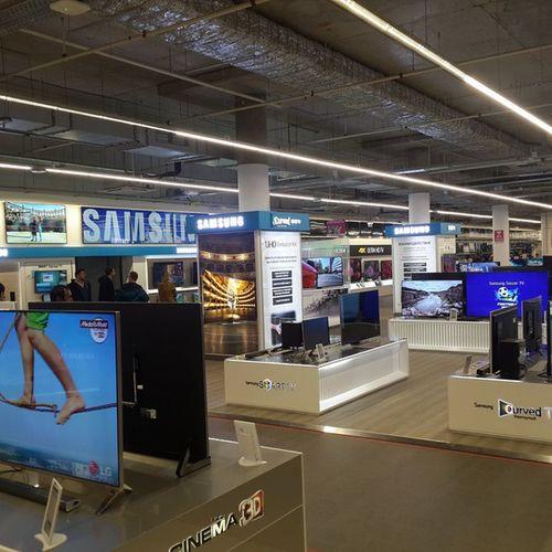 Огромный Mediamarkt открылся в Авиапарк . Отобъется в кризис?