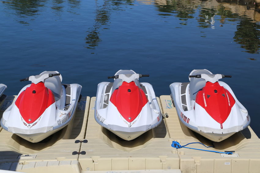 Aquatic Sport California Day Lake Outdoors Parking Pedal Boat Sport Summer Water Watersports ın A Row