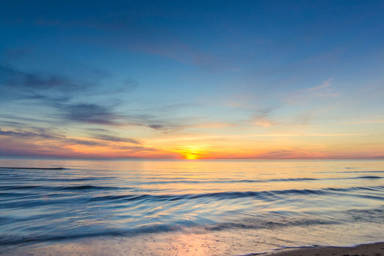 Beach Beauty In Nature Horizon Over Water Idyllic Nature No People Outdoors Scenics Sea Sky Sunset Tranquil Scene Tranquility Water Wave