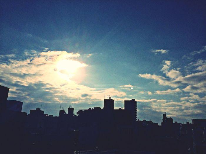 仕事初めの朝 Morning Sky