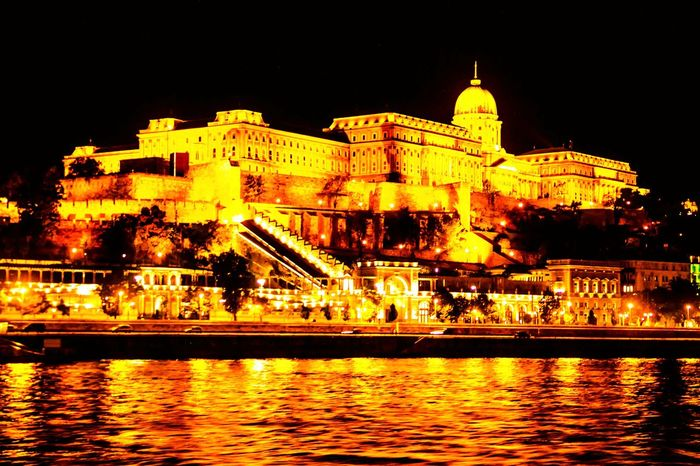 43 Golden Moments Nigthpicture Night View Budapest Europe River View Bestoftheday Panama City Night Lights Golden Moment Golden Danubioriver Danubio Shotoftheday