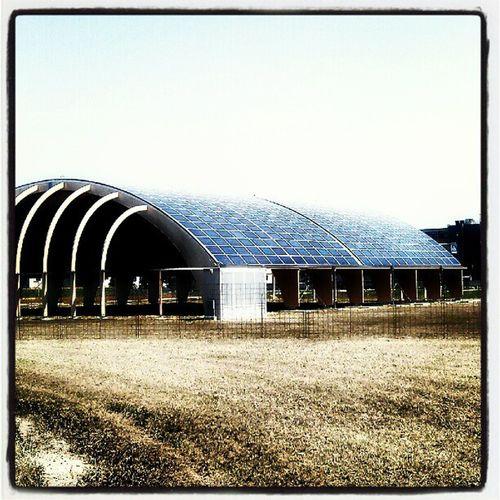 Nel paese del Sole . Pannelli Fotovoltaico Energía ecologia rinnovabili eco Green power instamoment instamood instaenergy maipiusenza igers igersitalia veneto Treviso constocaldoalmenoneescequalcosadibuono