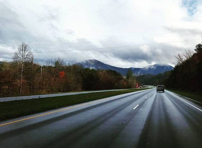 Rainy Days Asheville On The Road Blue Ridge Mountains Mountain Road Driving Windshield Shots Rainy Road Wet Road