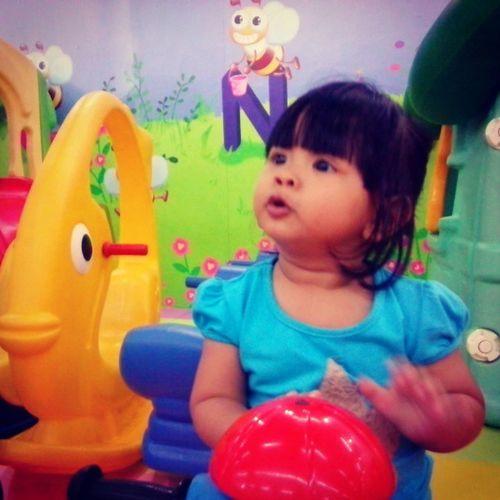 Najwa bermain Maret 2013