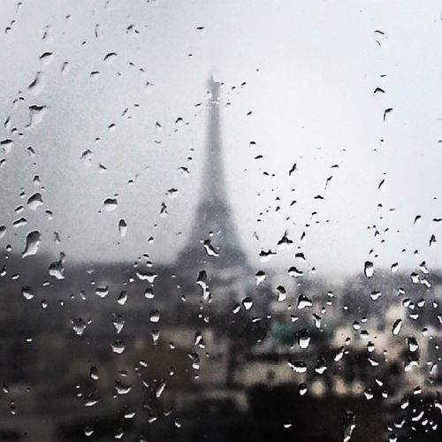 Raining day in Paris from my window Paris Parisblogger Parisiloveyou Iloveparis eiffeltower TourEiffel instaday tbt instagood IGers beautiful sky blogueuses