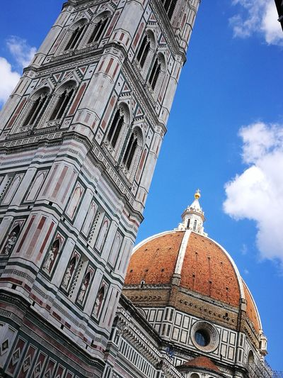 La Magnifica Firenze Alzate Gli Occhi Al Cielo! Point Of View Il Duomo Di Firenze Architettura Senza Tempi Toscana Contemplazione Monumenti Storici La Bell'Italia