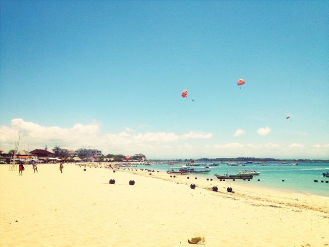 u see heaven on earth! Parasailing Beach Sea Happiness