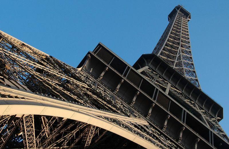 Paris Frankreich France Eifel Tower Eifelturm Europa Europe Tour Eiffel Paris Architecture Built Structure Building Exterior Low Angle View Sky City Tower Travel Destinations Building No People Tourism Tall - High Travel Clear Sky Outdoors Blue